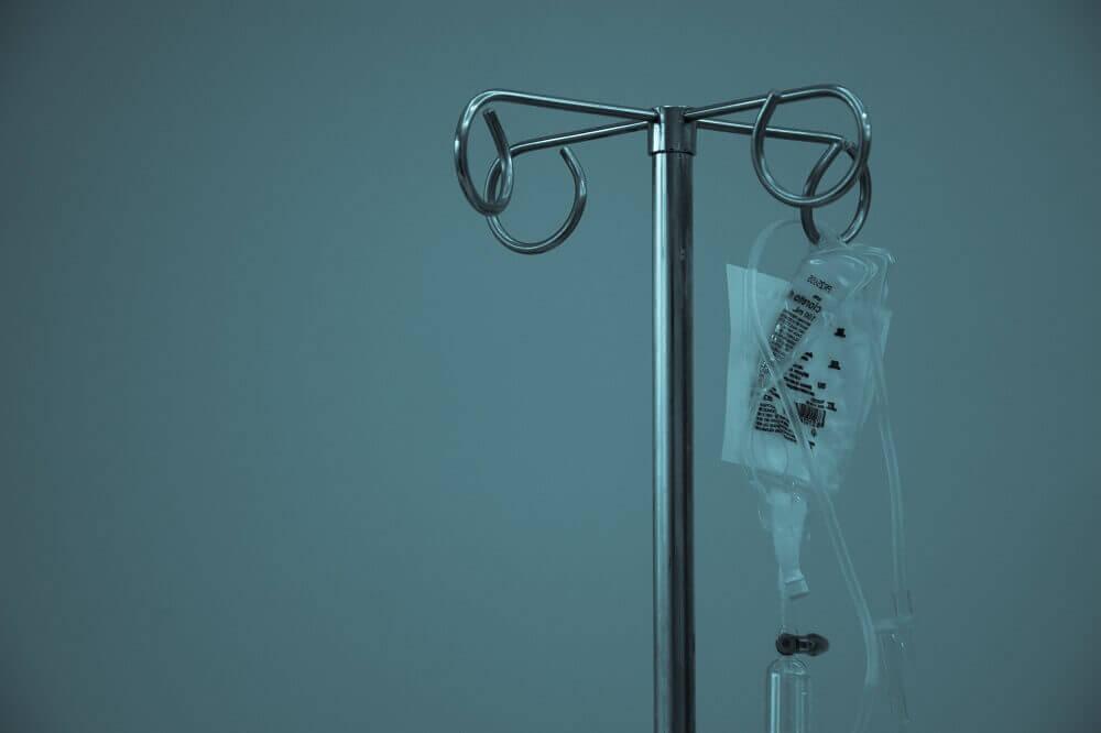 Imagen de un gotero de hospital
